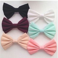 ♡♥♡ I Love bows sooo much!! I'm wearing a Big white one at the moment!! :D