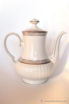 Cafetera de porcelana dorada marca bavaria foreign for Marcas de porcelana
