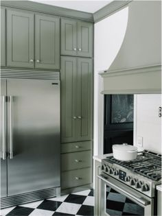 Cozinha clássica e tradicional, super elegante com bancada em silestone…