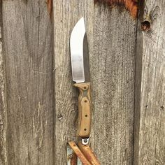Newly finished Kilo hanging out by the shed. I think brown is my personal favorite color of micarta, and this black/brown is simply hugs and kisses.