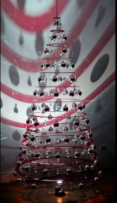 modern christmas tree – This christmas ideas ideas was distribute at UTC by … Contemporary Christmas Trees, Traditional Christmas Tree, Modern Christmas Decor, Christmas Tree Design, Beautiful Christmas Trees, Outdoor Christmas, Christmas Tree Decorations, Christmas Lights, Christmas Diy