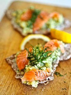 Lohileivät Siken tapaan – käytä jämäperunat ihanasti ja helposti - Ajankohtaista - Ilta-Sanomat Bruschetta, Salmon Burgers, Food Inspiration, Tapas, Ethnic Recipes