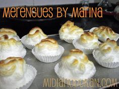 Gracias a Lorenuqui!!!  Ingredientes:  9 claras de huevo (1 botecito de claras de Mercadona) Edulcorante líquido  Aspartamo en polvo  Molde...