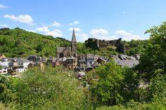 Les cinq plus beaux endroits de l'Ardenne belge - Voyage - LeVif Weekend Luxembourg, Excursion, Continents, Wonders Of The World, Dolores Park, Places To Visit, Mansions, House Styles, Travel
