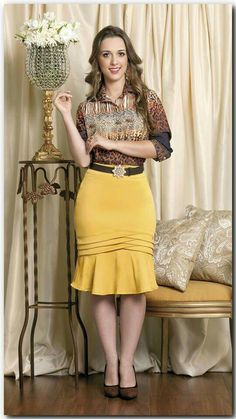 . Skirt Outfits, Dress Skirt, Super Moda, Work Attire, Classy Outfits, African Fashion, Short Dresses, Fashion Dresses, Clothes For Women