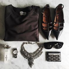 Essentials  / sweatshirt @shop_sincerelyjules , Givenchy flats, @dylanlex necklace and fave perfume.