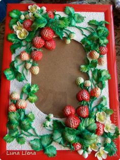 Strawberry Pictures, Plastic Spoon Crafts, Cake Decorating Piping, Strawberry Decorations, Cold Porcelain Flowers, Clay Wall Art, Plaster Art, Clay Paint, Ideas Geniales