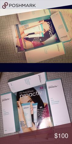 Proactive skin care deluxe size This is the deluxe size. Comes with all 3 steps and skin purifying mask and emergency blemish relief. proactive Other