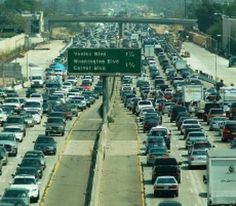 Funny pictures about Traffic In Los Angeles. Oh, and cool pics about Traffic In Los Angeles. Also, Traffic In Los Angeles photos. Nasa, Improve Credit Score, Thing 1, Living In New York, Road Trip Usa, Public Transport, Climate Change, Fun Facts, City Photo