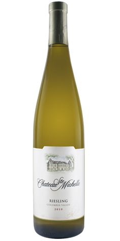 Chateau Ste. Michelle, a sweet white Reisling from the Columbia Valley, in Washington. A balanced wine with hints of tangy apple and sweet lime. #MacGrillHalfPricedWine @Macaroni Grill