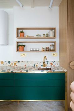 Contemporary gold and green kitchen with terrazzo tiles. How to use terrazzo in the home. Green Kitchen, New Kitchen, Kitchen Ideas, Gold Kitchen, Kitchen Inspiration, Crazy Kitchen, Kitchen Unit, Kitchen Craft, Eclectic Kitchen