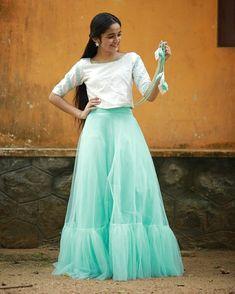 Half Saree, Beauty Full Girl, Indian Beauty, Kerala, South Korea, Hot, Skirts, Faces, China