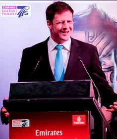 Bobby Skinstad entertaining the crowd at the Emirates Rugby Long Lunch #longlunch #dubai7s