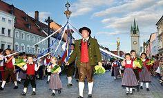 Gäubodenvolksfest - Bavarias second largest Folk and Beer Festival and East Bavarian Exhibition