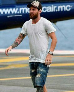 Messi Pics, Messi Pictures, Lional Messi, Messi Vs Ronaldo, Best Football Skills, Best Football Players, Barcelona Team, Lionel Messi Barcelona, Lionel Messi Wallpapers