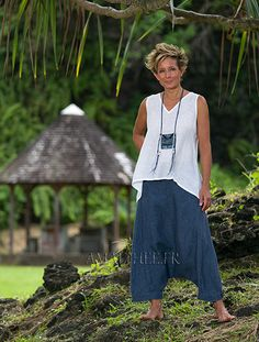Women's sumer time apparel: white linen gauze little Top and sarouel pants -:- AMALTHEE -:- n° 16 Boho Fashion, Fashion Outfits, Womens Fashion, Fashion Tips, Bohemian Mode, Boho Chic, Sarouel Pants, Harem Pants, Traditional Skirts
