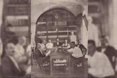 """Sala de lectura de la biblioteca de Prado del Rey (Cádiz), quemada en 1936 por sus libros """"revolucionarios y herejes"""". / Archivo Fernando Romero"""