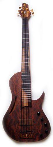 Shuker Artist Singlecut Bass 5 string