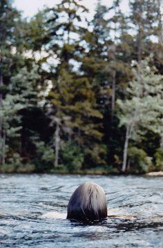 """""""Il y a un temps pour tout. Un temps pour les autres, un temps pour soi. Il y a un moment pour tout, un moment pour s'ouvrir, un autre face à soi. Et puis il y a l'amour. Qu'on doit donner, ou recevoir, selon ce que l'on peut, ou pas. Comme ces moments de solitude nécessaires parce qu'à un moment de vie, on s'est un peu trop oublié, soi."""" ~  Alexandra Julien"""