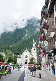 Even on a cloudy day, Chamonix, France did not disappoint : travel
