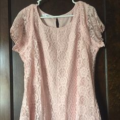 Pink Short Sleeve Tip w Floral Appliqué Detail Gorgeous light pink short sleeve top with a sheer floral appliqué over solid back. Sheer sleeves and key hole back. From a smoke-free home with a cat. Maurices Tops Tees - Short Sleeve