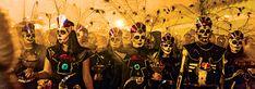 """Las fiestas de Día de Muertos en Chignahuapan y Huaquechula, Puebla. ¿Pensando a dónde escaparte para """"vivir"""" las celebraciones en honor a nuestros difuntos en territorio poblano? ¡Aquí dos opciones con una pirámide en el agua y altares de hasta 4 pisos!"""