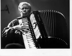 Pauline Oliveros, general accordion badass