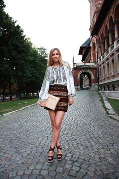 traditional Romanian blouse on Romanian actress Dana Rogoz Ethnic Fashion, European Fashion, Folk Costume, Costumes, Boho Chic, Bohemian Style, Blouse And Skirt, Boho Outfits, Dress Me Up
