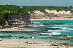 As melhores praias para surfar no Brasil