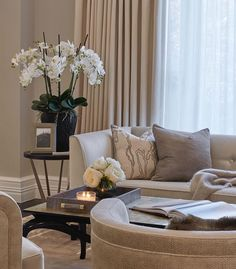 Living Room White, Home Living Room, Living Room Designs, Living Room Decor, Living Room Seating, Transitional House, Luxury Home Decor, Home Furnishings, Interior Design