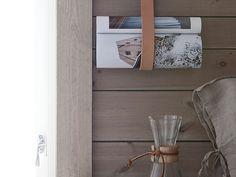 Bjørn og Hege fra valgte interiørbeis i fargen Patinagrå til hytta. Den er fargesatt for å være samstemt med naturen utenfor. Se hytta her. Floating Nightstand, Wall Lights, Cottage, Cabinet, Kitchen, Table, House Ideas, Furniture, Summer