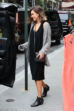 Jessica Alba looks gorgeous in her Bianca Boots #aninebing