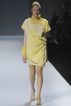 Issey Miyake Spring 2012 Ready-to-Wear - Collection - Gallery - Style.com