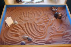 Sandplay therapy is a recognized therapeutic modality for both children and adults, based on the psychology of C. Jung and developed by the Swiss psychotherapist Dora Kalff. Sand Therapy, Sandplay Therapy, Sand Play, Mind Body Spirit, Grand Opening, Dear Friend, Healing, Tray, Image