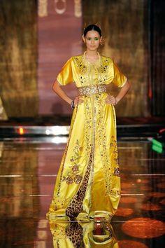 Zineb Lyoubi Idrissi est une jeune créatrice marocaine de Caftans haute couture qui a su réinventer cette tenue traditionnelle sans lui faire perdre son authenticité. Derrière chaque Caftan se cach…
