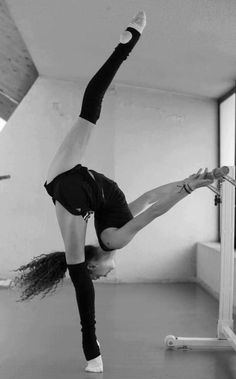ballet, dance, flexibility... Holy cow!!