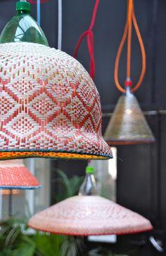 lampen (recycling) tentoongesteld bij Piet Hein Eek  - Dutch Design Week 2014 - foto is gemaakt door MrgrtTkkn