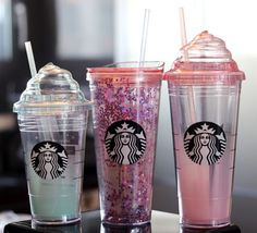 Starbucks always produce some coffee cups for their fans to buy. These three lovely cups are designed for cold drinks. Starbucks Cup, Copo Starbucks, Bebidas Do Starbucks, Starbucks Secret Menu, Starbucks Recipes, Starbucks Tumbler, Coffee Drinks, Coffee Cups, Cute Water Bottles