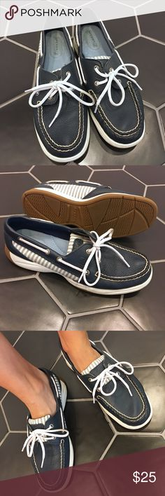 Sperry boat shoe - Size 8 Navy and white leather Sperry boat shoe. Super comfy! Only worn a couple of times- very little wear. Sperry Top-Sider Shoes