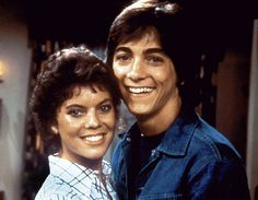 Joanie Loves Chachi <3 Used to LOVE the song they sang in the intro!
