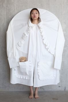 The White Series: Ruka Kawai, Sungwon Hong, Daniel Kellaway-Moore – 1 Granary 3d Fashion, Knitwear Fashion, Weird Fashion, High Fashion, Fashion Show, Fashion Design, Central Saint Martins, Sculptural Fashion, Fashion Project