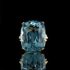 55 carat aquamarine stone makes me want to consider liking aquamarine again