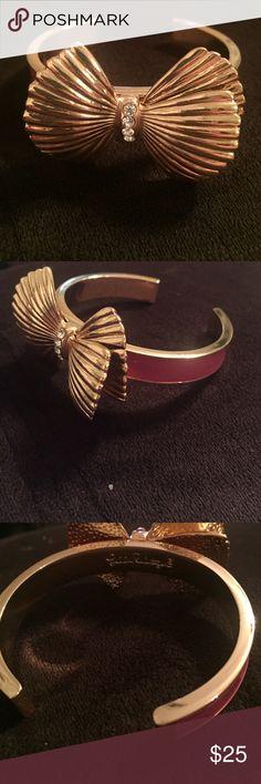 Lilly Pulitzer bracelet Brand new! Gold now with diamond trim down center of bow.  Pink band. Jewelry Bracelets