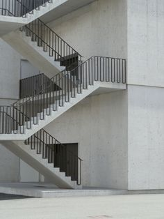 12 House Staircase, Interior Staircase, Staircase Design, Stair Handrail, Staircase Railings, Stairs, Staircases, Stair Detail, Concrete Wall