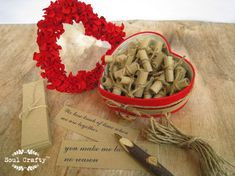 52 Gründe, warum ich liebe dich, weil rot Hydrangea Blütenblatt Window box Valentinstag Geschenk Freund Freundin Verlobten Jubiläum Hochzeitsgeschenk Dies ist eine Liste für 1 rot Hydrangea Blütenblatt Fenster-Box mit 52 leer Kraftpapier (120gm) und 52 Stück Jute rankt. Dieses