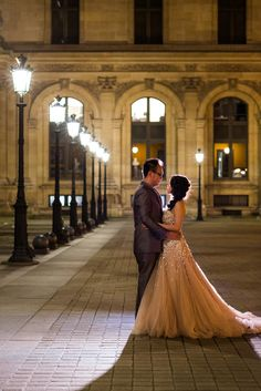 Pre wedding night photo at Louvre Museum