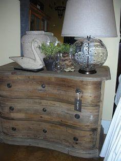 bungalow furniture & accessories: April 2010