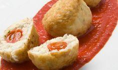 Receta de Albóndigas de bacalao fresco con salsa de piquillos