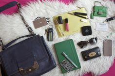 Elle Yeah - A Fashion, Beauty and Lifestyle Blog: What's In My Bag - Summer Edition