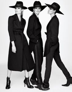 Following up their show-stopping covers, Vogue Japan's September 2017 cover girls join forces for the glossy fashion spread. Captured by Luigi & Iango, models Natasha Poly, Doutzen Kroes, Lara Stone, Anna Ewers, Joan Smalls and Vittoria Ceretti pose in the fall collections. From fur coats to ladylike dresses and lingerie pieces, the models take on...[Read More]